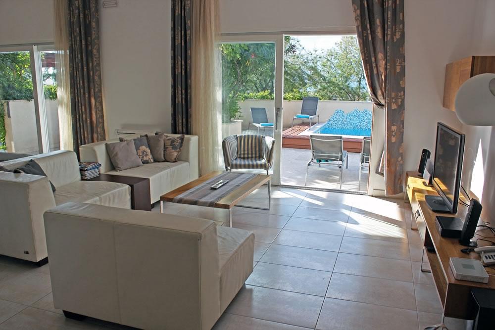 VillaMirca-livingroom_view